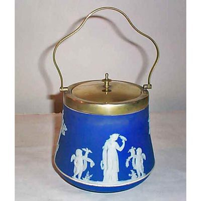 Wedgwood dark blue biscuit jar, before 1890