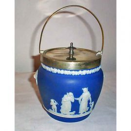 Wedgwood dark blue biscuit jar with lions on the sides, before 1890, 9 3/4 inches tall, Sold