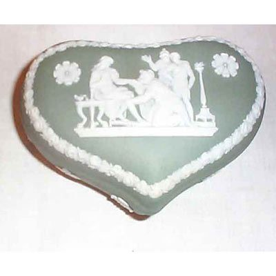 Wedgwood green heart shape box