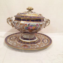 Le Tallec covered piece with under plate with raised gilding