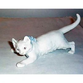 Rare Meissen figurine of a cat, 6 1/2 inches long, good condition, $1400.00
