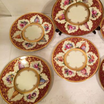 Set of twelve Dresden plates