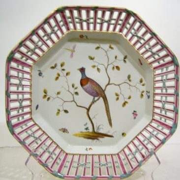 One of a pair of Meissen Marcolini reticulated bird chargers,