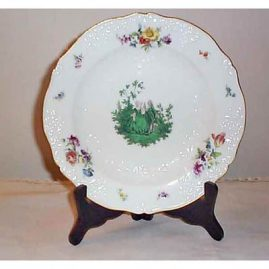 Meissen plate with Watteau  scene, raised white flowers,  ca-1880s-1890s, 9 1/2 inches
