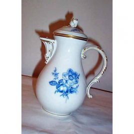 Meissen blue flowered  coffee pot with flower on  top 20th century, Price on Request.