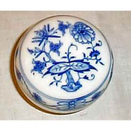 Meissen blue onion  box, 3 1/2 inches, Sold