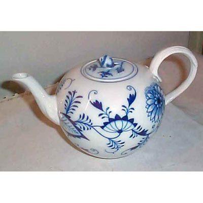 Meissen blue onion teapot with flower on top