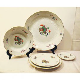 Set of Meissen Chinese butterfly dinners, breads and luncheons