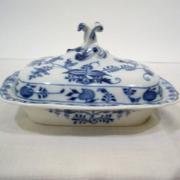 "Meissen blue onion covered butter or cheese dish, ca-1880s, 8"" by 6 3/4"", Sold"