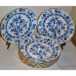 8 gold rim Meissen blue onion dinners, ca-1890s