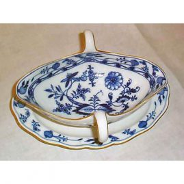 Meissen blue onion gravy with gold rim