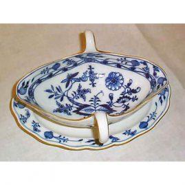 Meissen blue onion gravy with gold rim, Price on Request