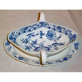 Meissen blue onion gravy  and attached under plate, ca-1890s. Price on Request