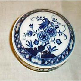 Meissen blue and white box  with bird, 4 1/2 inches, sold