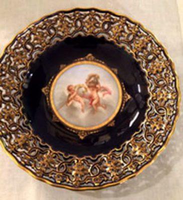Meissen reticulated cobalt cherub cabinet plate