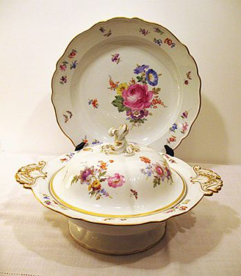 Meissen covered vvvegetable and underplate