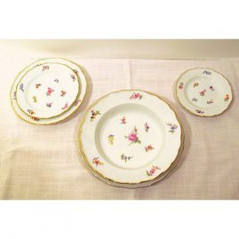 Another view of Meissen dinner service