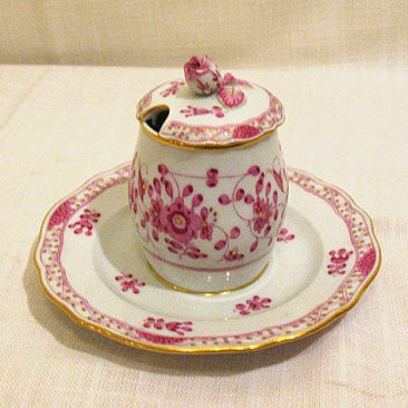 Meissen purple Indian condiment with flower on top. Sold