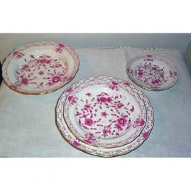 Extensive Meissen purple Indian dinner service for at least twelve
