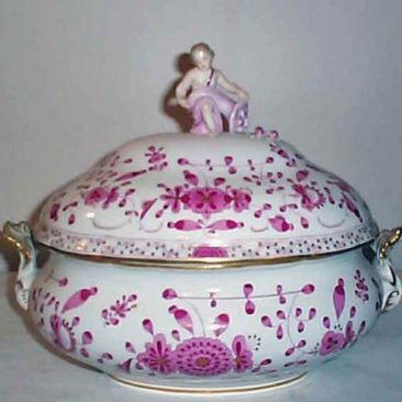 Meissen Purple Indian tureen with figural putti top, 1880s-1890s, sold