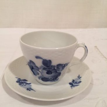 Twelve Royal Copenhagen blue flower demitasse cup and saucers