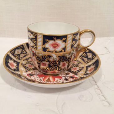 Ten Royal Crown Derby Imari coffee cups and saucers, circa-1904