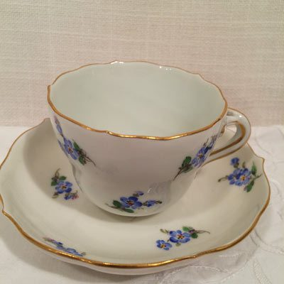 Rare Meissen 19th century cup with forget me nots
