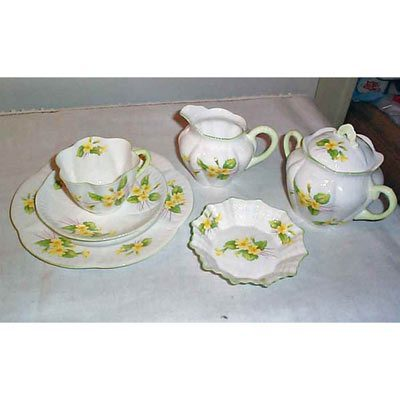 Shelley set, 5 cake plates and 5 cups and saucers, sugar and creamer