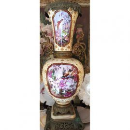 Painting on one of the backs of the pair of the palace vases that have the beautiful portraits of ladies on the front