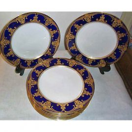 11 Spode dinners in cobalt and gold