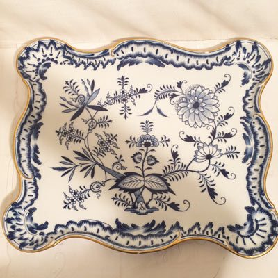 Meissen blue onion tray with gold rim