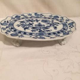 Meissen blue onion serving piece with four raised feet
