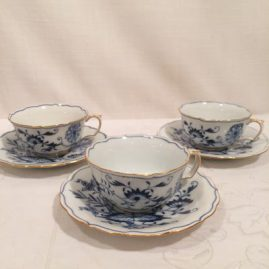 Meissen blue onion tea cups with gilded edges