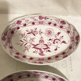Meissen pink onion oval bowl. Length is 9 1/4 inches and the height is 6 inches tall Circa- before 1890s. Price on Request.