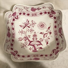 Rare Meissen pink onion four cornered large bowl. Diameter is 11 1/2 inches. Before 1890s. Price on Request.