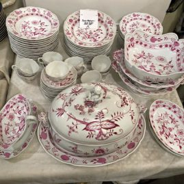 Extremely Rare Pink Onion Meissen Dinner Service for twelve with twelve dinner plates, 12 wide rim soups,12 cups and saucers and a variety of many serving pieces. Price on Request
