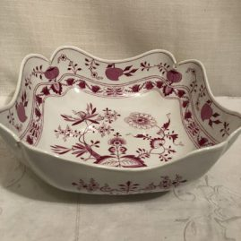 Another view of the Meissen pinl onion four cornered large bowl