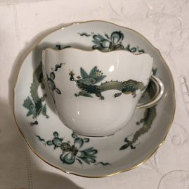 Set of fourteen Meissen court green court dragon cups and saucers