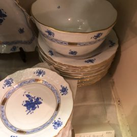 Herend Chinese bouquet dinner service for sixteen in blue and white