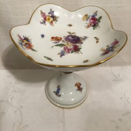 Meissen compote with flower bouquets.
