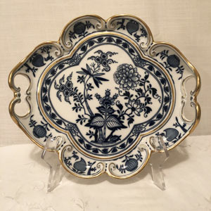 Meissen Blue Onion Serving Tray With Fluted Border and Handles with Gilt Decoration