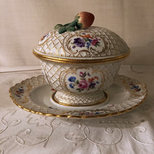 Rare Meissen Gravy or Saucier With Attached Underplate and Cover With Strawberry Handle