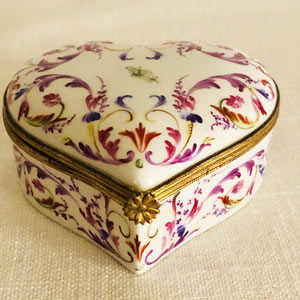 Le Tallec Heart Shaped Porcelain Box Hand-Painted With Colorful Arabesque Decoration